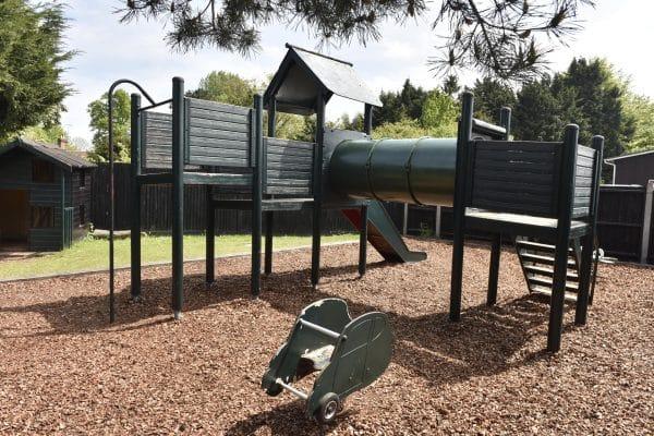 Garden & Childrens Play Area